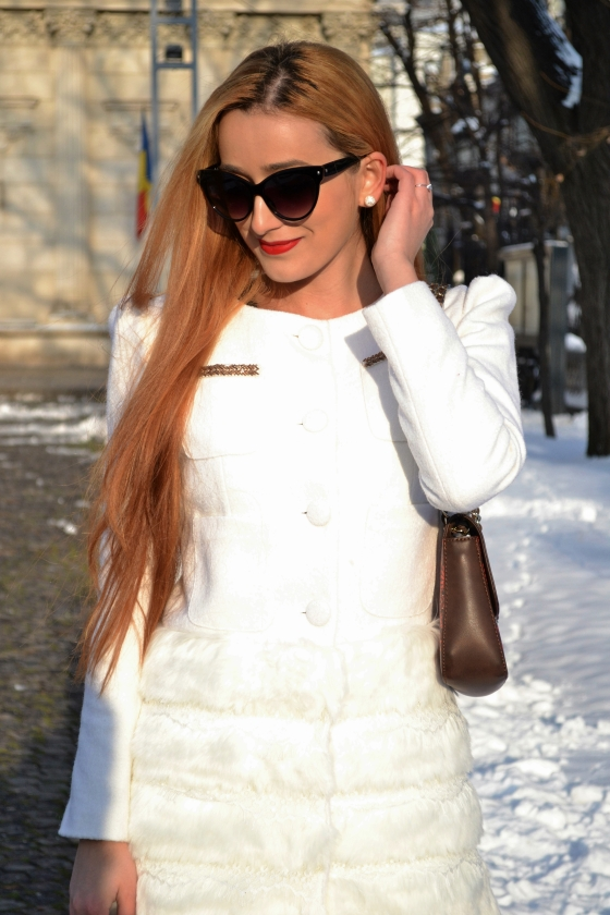 signaturebymm, signature by m&m,  corina mirea, madalina misu, fashion, blog, blogger, moda, palton sheinside, sheinside faux fur white coat, love moschino, love moschino bag, geanta love moschino, pierre cardin, pierre cardin bag, geanta pierre cardin, all white outfit, ootd, outfit of the day, minelli leather boots, ghete minelli, dres penti, cateyes, audrey hepburn look, ceas burgi, burgi watch, Spring, White look, White outfit, Cat eyes sunglasses, fashion days, skinny body, new yorker tights, white pants, pantaloni albi