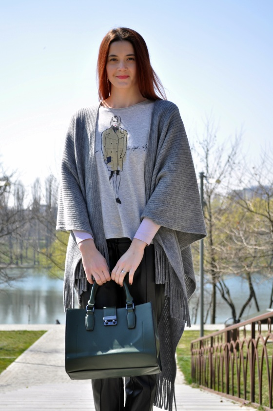Signature by M&M, spring, parc, spring outfit, fringes, grey outfit, kurtmann.ro T-shirt, walk in the park