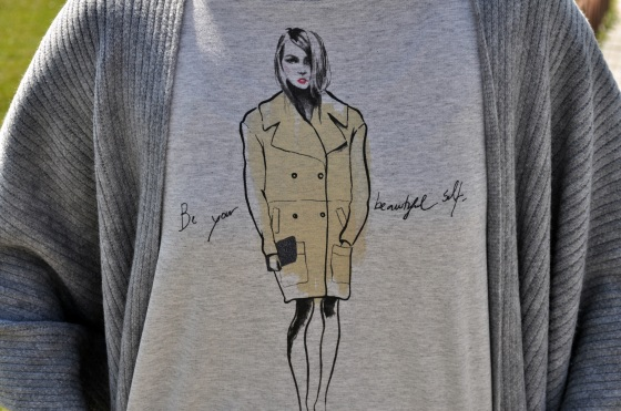 Signature by M&M, kurtmann.ro, T-shirt, be your beautiful self, grey outfit, spring