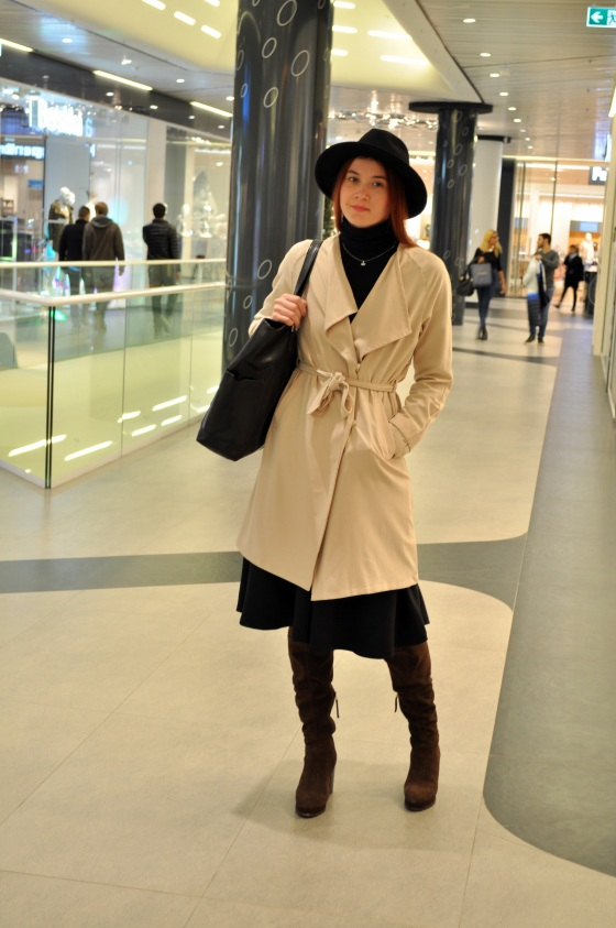 Signaturebymm, Promenada, Corina Mirea, over the knee boots, white coat