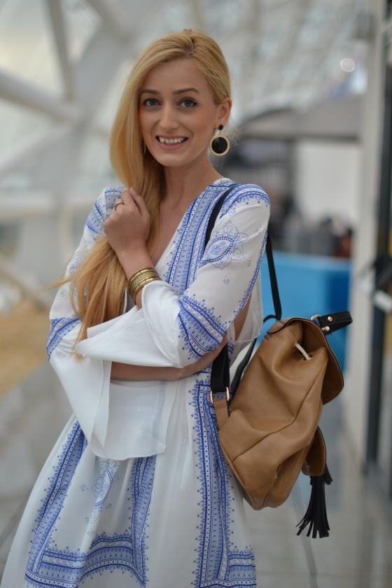 signaturebymm, signature by m&m, madalina misu, fashion, blog, blogger, moda, shein, sheinside, boho outfit, casual chis, koton palarie, cizme fabbrica morichetti, fabbrica morichetti boots, parfois backpack, rucsac parfois, promenada, shein, sheinside, cum sa te imbraci la un festival, bohoc chic, how to wear a dress as a boho chic outfit, promenada, outlet, rochii ieftine, rochie alba cu imprimeu albastru, idee outfit casual