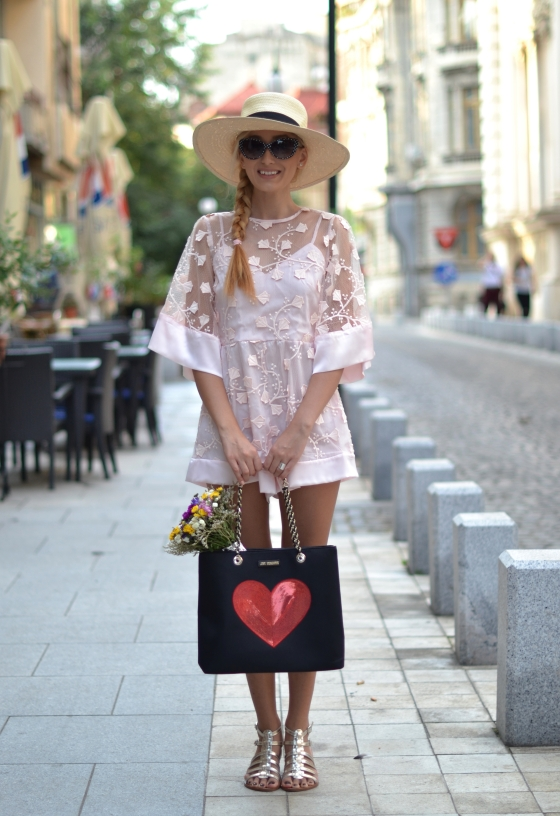 signaturebymm, signature by m&m, madalina misu, fashion, blog, blogger, moda, shein, sheinside, boho outfit, casual chis, koton palarie, cizme fabbrica morichetti, fabbrica morichetti boots, parfois backpack, rucsac parfois, calea victoriei,. cum sa te imbraci la un festival, outfit de festival, idee fastival, ce se poarta in 2015, look romantic, salopeta scurta, pink jumpsuit, lace jumpsuit