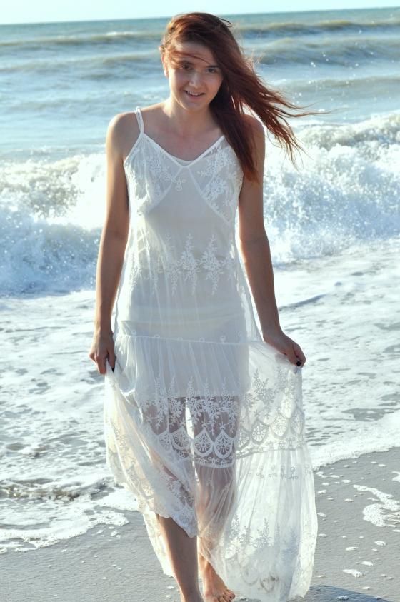 Signature, signaturebymm, Sheinside, Shein, beach dress, white beach dress, lace dress, maxi dress, rochie de plaja, rochie din dantela, rochie alba, cum sa porti rochia maxi, mare, plaja