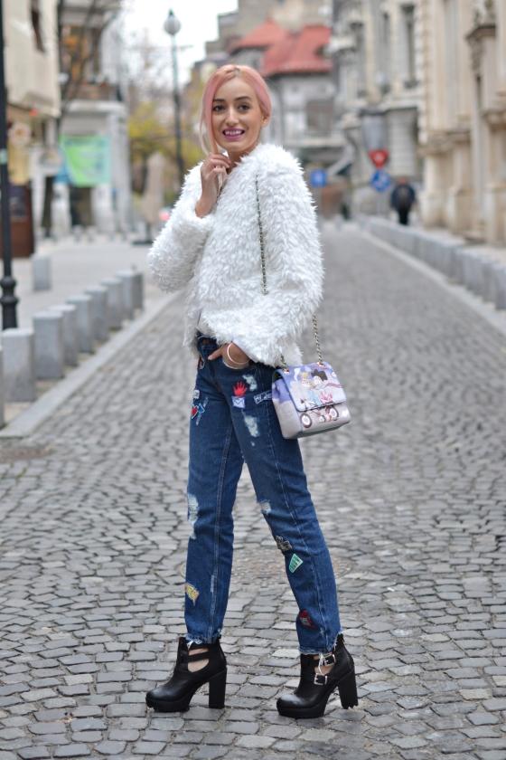 madalina misu, signaturebymm, signature by m&m, blog moda, top bloguri moda, cum purtam jacheta pufoasa, cum purtam blanita articifiala, ootd, ootd casual, casual outfit, zara jeans, choies fluffy faux fur coat, love moschino bag, geanta love moschino, fashion days, how to wear the hooded coat