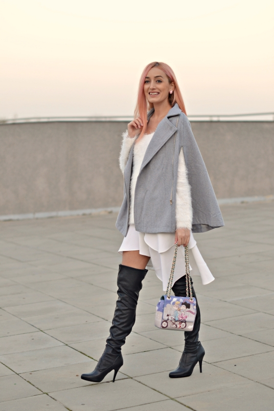 capa gri, the grey cape, how to wear the cape, cum purtam capa, love moschino, romwe cape, madalina misu, signaturebymm, signature by m&m, bagatt boots, over the knee bagatt boots